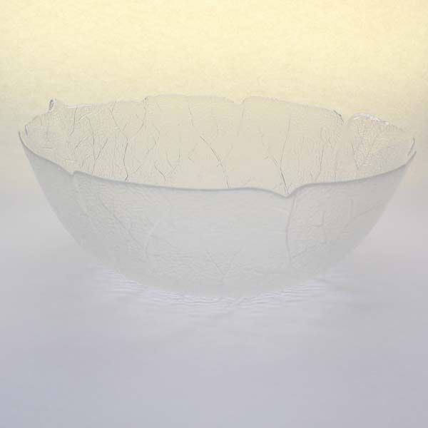 "8"" (20cm) Glass Bowl, Leaf Pattern"